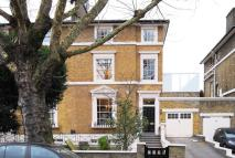2 bedroom Flat to rent in Warwick Avenue...