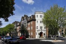 2 bed Flat in Mortimer Crescent...