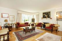 Avenue Close Flat for sale