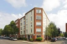 Flat to rent in Charlbert Court...