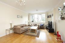3 bedroom Flat in Wellington Road...