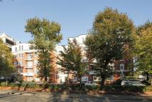 1 bedroom Flat in Grove End Road...