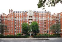 Flat to rent in Maida Vale...