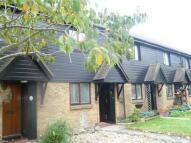 2 bed home to rent in Huntsmans Close, Feltham
