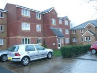 2 bedroom Flat to rent in Redford Close, Feltham