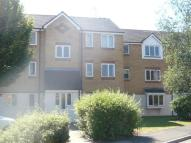 Flat to rent in Redford Close, Feltham