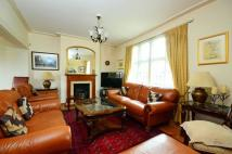 5 bed house in Hertford Avenue, Putney...