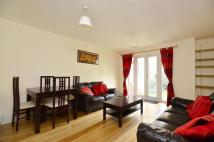 2 bedroom Flat in Broomhill Road...