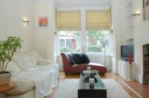 Flat in Mexfield Road, Putney...