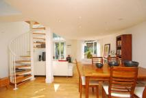 Flat in Ringford Road, Putney...