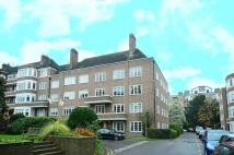 4 bedroom Flat in Exeter House...