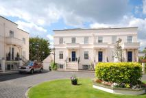 3 bed property in Beaufort Close, Putney...