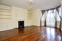 3 bedroom Flat in Deodar Road, Putney, SW15