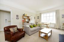 2 bed Flat in Gwendolen Avenue, Putney...
