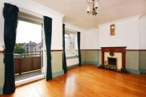 3 bed Flat in Aubyn Square, Roehampton...