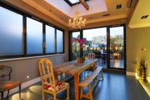 3 bed Flat for sale in Putney High Street...