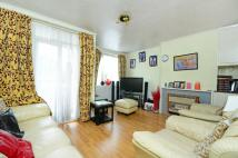Maisonette to rent in Tildesley Road...
