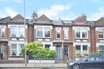 Flat in Putney Bridge Road...