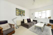 2 bedroom Flat to rent in Rocks Lane, Barnes, SW13