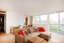 2 bed Flat in Viewfield Road...
