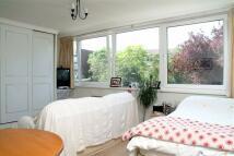 Studio flat to rent in Kersfield House, Putney...