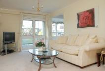 2 bedroom Flat to rent in St Johns Avenue, Putney...
