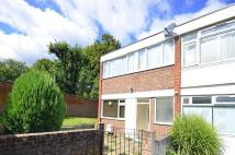 4 bed home in Danebury Avenue...