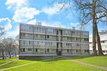 3 bedroom Flat to rent in Ibsley Gardens...