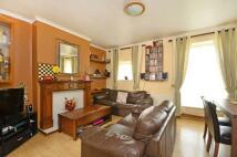 2 bedroom Maisonette for sale in Frensham Drive...