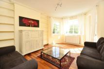 Flat to rent in Roehampton Close...