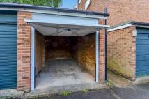 Garage to rent in Wimbledon Park Road...