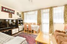 3 bedroom Flat in Montfort Place...