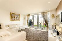 5 bedroom home in Holford Way, Roehampton...