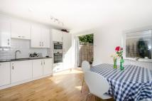 5 bedroom home in Malbrook Road...