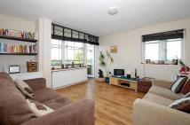 1 bedroom Flat in Fitzhugh Grove...