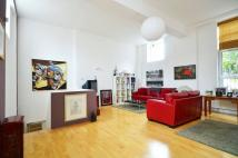2 bed Flat in St John's Hill...
