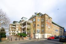 1 bedroom Flat to rent in Chatfield Road...