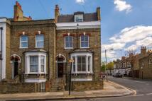 Flat to rent in Taybridge Road, Clapham...