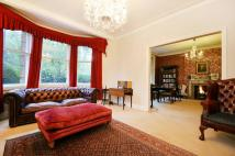 3 bed Flat for sale in Prince of Wales Drive...