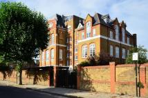1 bedroom Flat in Thackeray Road...