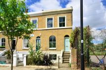 3 bedroom property in Larkhall Lane, Stockwell...