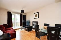 Flat to rent in South Lambeth Road...