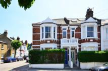 Flat to rent in Wakehurst Road...