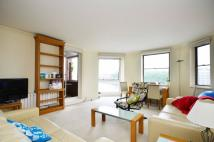 Flat to rent in Riverside Court...