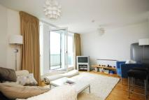 2 bedroom Flat in Oyster Wharf, Wandsworth...