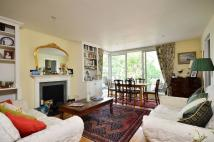 Flat to rent in Battersea Church Road...