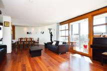 Lombard Road Flat to rent