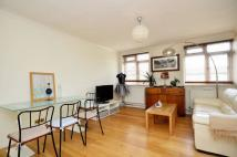 2 bed Flat in Lansdowne Way, Vauxhall...