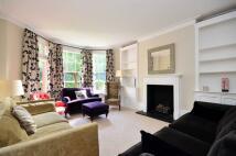 3 bedroom Flat in Albert Bridge Road...