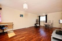 3 bedroom Flat to rent in Chiltern House, Ealing...